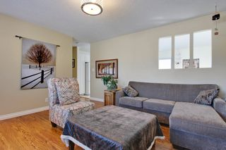 Photo 2: 3120 Rae Crescent SE in Calgary: House for sale : MLS®# C4005511
