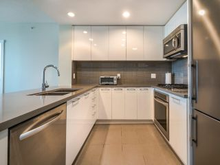 "Photo 6: 3105 4880 BENNETT Street in Burnaby: Metrotown Condo for sale in ""CHANCELLOR"" (Burnaby South)  : MLS®# R2532141"