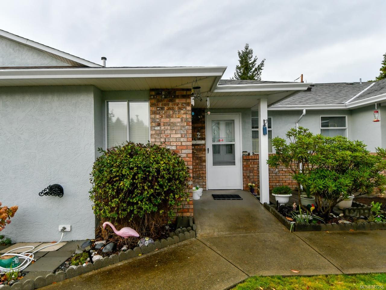 Main Photo: 2 595 Evergreen Rd in CAMPBELL RIVER: CR Campbell River Central Row/Townhouse for sale (Campbell River)  : MLS®# 827256