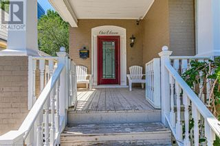 Photo 2: 111 CHURCH Street in Kitchener: House for sale : MLS®# 40112255