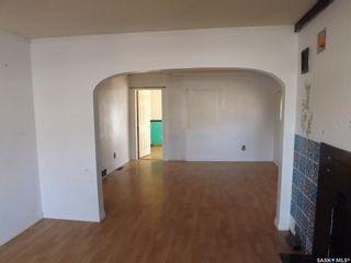 Photo 6: 802 Henry Street in Estevan: Residential for sale : MLS®# SK803393