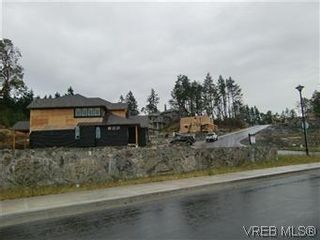 Photo 3: 3677 Coleman Pl in VICTORIA: Co Latoria House for sale (Colwood)  : MLS®# 582104