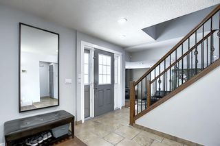 Photo 3: 28 Forest Green SE in Calgary: Forest Heights Detached for sale : MLS®# A1065576
