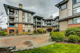 "Photo 1: 107 12020 207A Street in Maple Ridge: Northwest Maple Ridge Condo for sale in ""WESTBROOKE"" : MLS®# R2255242"