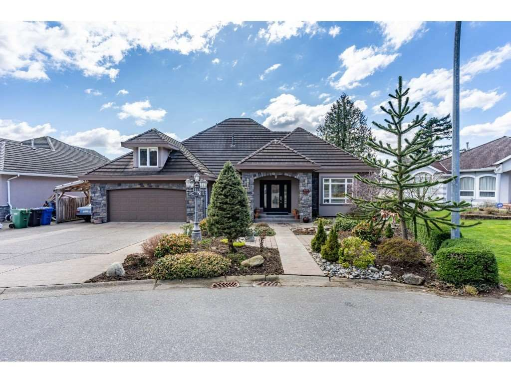 Main Photo: 35158 KNOX Crescent in Abbotsford: Abbotsford East House for sale : MLS®# R2551194