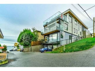 "Photo 2: 1105 JOHNSTON Road: White Rock House for sale in ""Hillside"" (South Surrey White Rock)  : MLS®# R2511145"