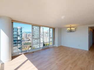 """Photo 7: 2607 1033 MARINASIDE Crescent in Vancouver: Yaletown Condo for sale in """"QUAY WEST"""" (Vancouver West)  : MLS®# R2604092"""
