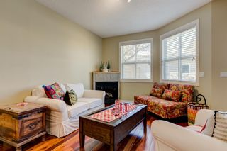 Photo 10: 3731 42 Street SW in Calgary: Glenbrook Semi Detached for sale : MLS®# A1132600