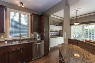 """Photo 2: 17 36169 LOWER SUMAS MOUNTAIN Road in Abbotsford: Abbotsford East Townhouse for sale in """"Junction Creek"""" : MLS®# R2158498"""