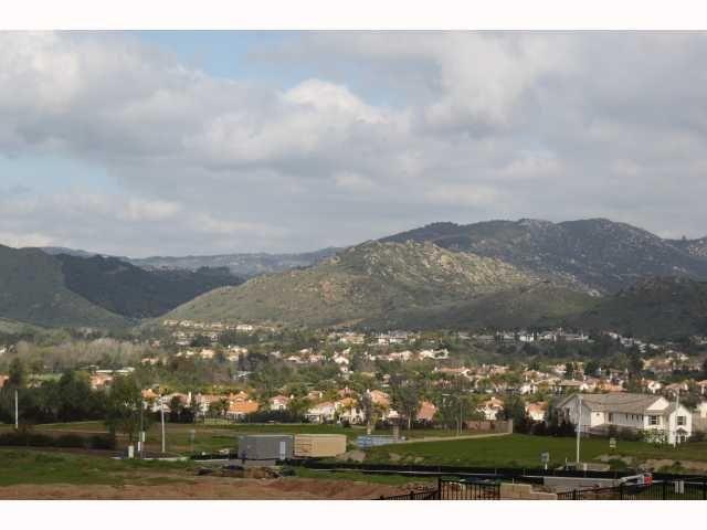 Photo 9: Photos: EAST ESCONDIDO House for sale : 5 bedrooms : 2797 Vistamonte in Escondido