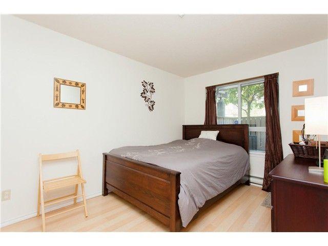 Photo 6: Photos: 104 3480 YARDLEY AVENUE in : Collingwood VE Condo for sale : MLS®# V1099525