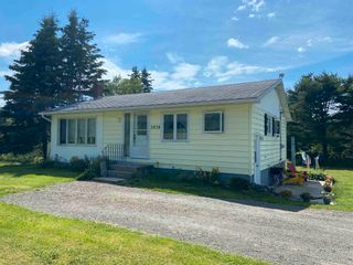 Photo 3: 2038 211 Highway in Indian Harbour Lake: 303-Guysborough County Residential for sale (Highland Region)  : MLS®# 202116449