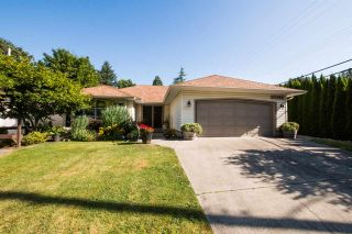 Photo 1: 17195 57 Avenue in Surrey: Cloverdale BC House for sale (Cloverdale)  : MLS®# R2553545