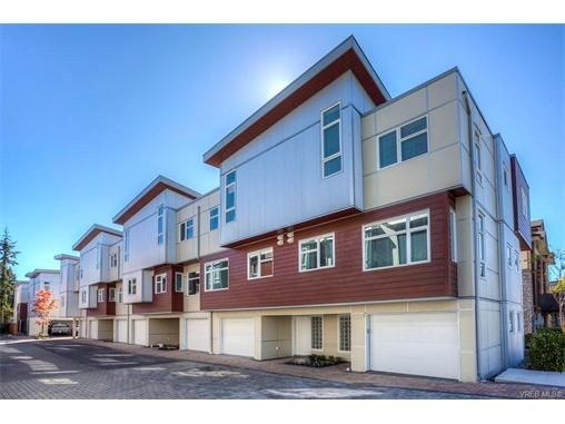 Main Photo: 112 2737 Jacklin Rd in VICTORIA: La Langford Proper Row/Townhouse for sale (Langford)  : MLS®# 747368