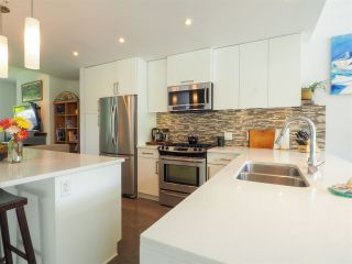 """Photo 3: 1 41488 BRENNAN Road in Squamish: Brackendale Townhouse for sale in """"Rivendale"""" : MLS®# R2485406"""
