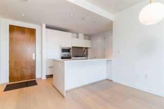 """Photo 10: 807 181 W 1ST Avenue in Vancouver: False Creek Condo for sale in """"BROOK AT THE VILLAGE"""" (Vancouver West)  : MLS®# R2567643"""