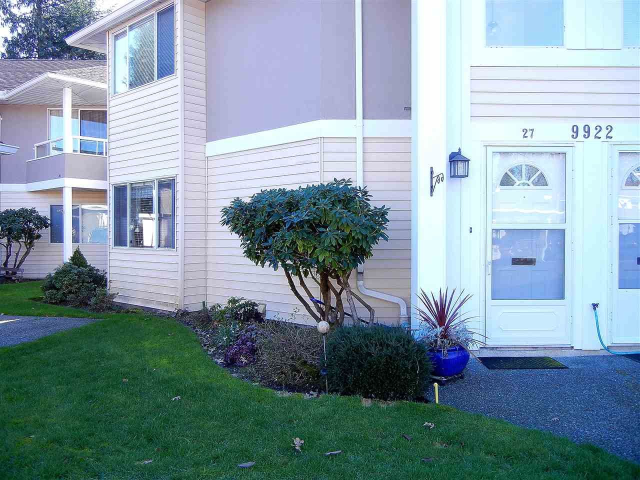 Main Photo: 27 9922 148 STREET in Surrey: Guildford Townhouse for sale (North Surrey)  : MLS®# R2031624