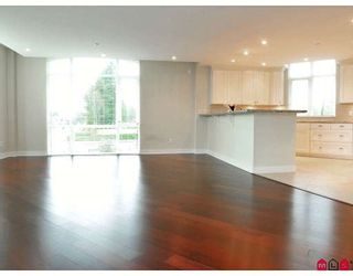 """Photo 4: 204 14824 N BLUFF Road in White_Rock: White Rock Condo for sale in """"BELAIRE"""" (South Surrey White Rock)  : MLS®# F2800783"""