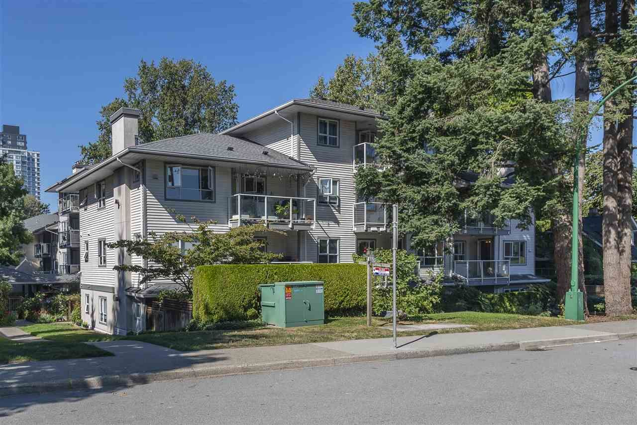 """Main Photo: 209 5577 SMITH Avenue in Burnaby: Central Park BS Condo for sale in """"COTTONWOOD GROVE"""" (Burnaby South)  : MLS®# R2495074"""