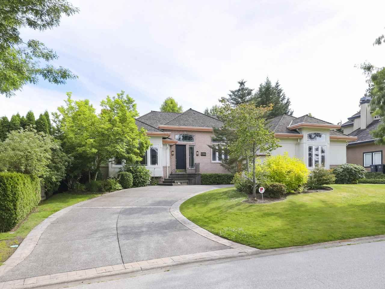 "Main Photo: 15980 HUMBERSIDE Avenue in Surrey: Morgan Creek House for sale in ""Morgan Creek"" (South Surrey White Rock)  : MLS®# R2474794"