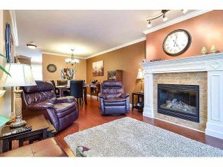 """Photo 3: 18 6238 192ND Street in Surrey: Cloverdale BC Townhouse for sale in """"BAKERVIEW TERRACE"""" (Cloverdale)  : MLS®# F1420554"""