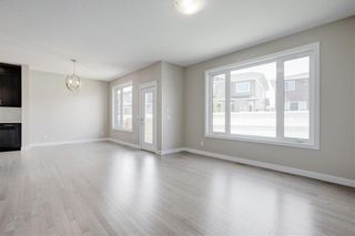 Photo 8: 223 EVANSGLEN Circle NW in Calgary: Evanston Detached for sale : MLS®# A1039757