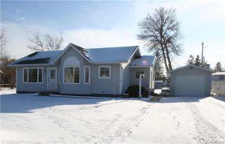 Photo 1: 76 Minnewawa Street: Lac Du Bonnet Residential for sale (R28)  : MLS®# 1902929