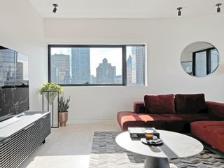 """Photo 5: 2205 838 W HASTINGS Street in Vancouver: Downtown VW Condo for sale in """"JAMESON HOUSE"""" (Vancouver West)  : MLS®# R2625326"""