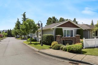 Photo 1: 8 1050 8th St in : CV Courtenay City Row/Townhouse for sale (Comox Valley)  : MLS®# 879819