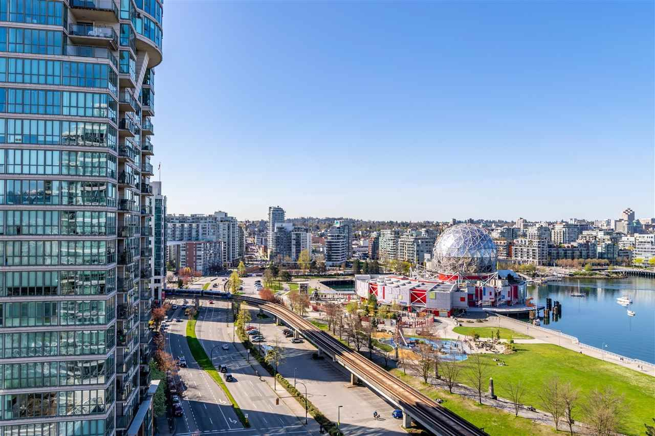 """Photo 5: Photos: 1605 120 MILROSS Avenue in Vancouver: Downtown VE Condo for sale in """"THE BRIGHTON BY BOSA"""" (Vancouver East)  : MLS®# R2568798"""