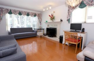Photo 2: 5051 WINDSOR Street in Vancouver: Fraser VE House for sale (Vancouver East)  : MLS®# R2183305