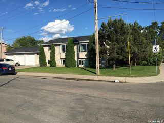 Photo 3: 608 Gray Avenue in Saskatoon: Sutherland Residential for sale : MLS®# SK847542