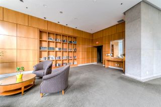 """Photo 3: 403 1288 ALBERNI Street in Vancouver: West End VW Condo for sale in """"THE PALISADES"""" (Vancouver West)  : MLS®# R2529157"""
