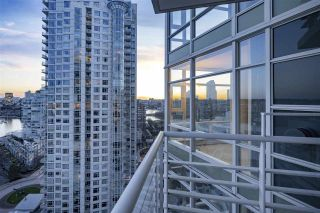 Photo 6: 2207 198 AQUARIUS MEWS in Vancouver: Yaletown Condo for sale (Vancouver West)  : MLS®# R2341515