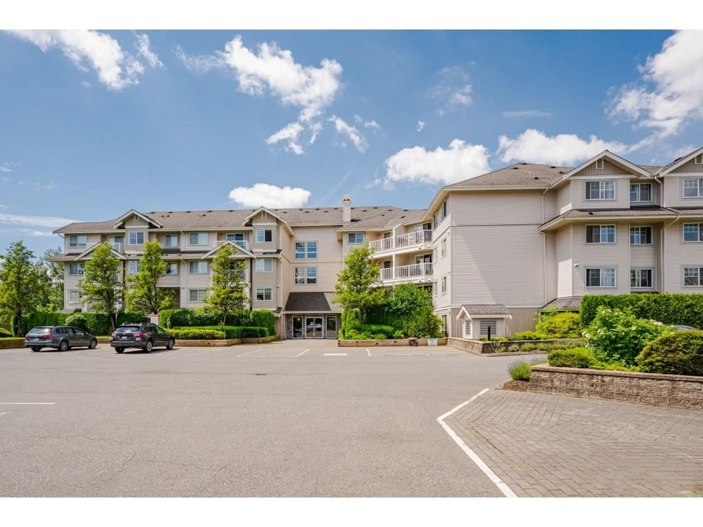 """Photo 2: Photos: 204 19366 65 Avenue in Surrey: Clayton Condo for sale in """"LIBERTY AT SOUTHLANDS"""" (Cloverdale)  : MLS®# R2591315"""