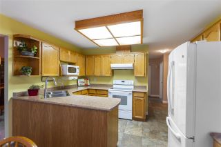 Photo 10: 19639 SOMERSET Drive in Pitt Meadows: Mid Meadows House for sale : MLS®# R2524846