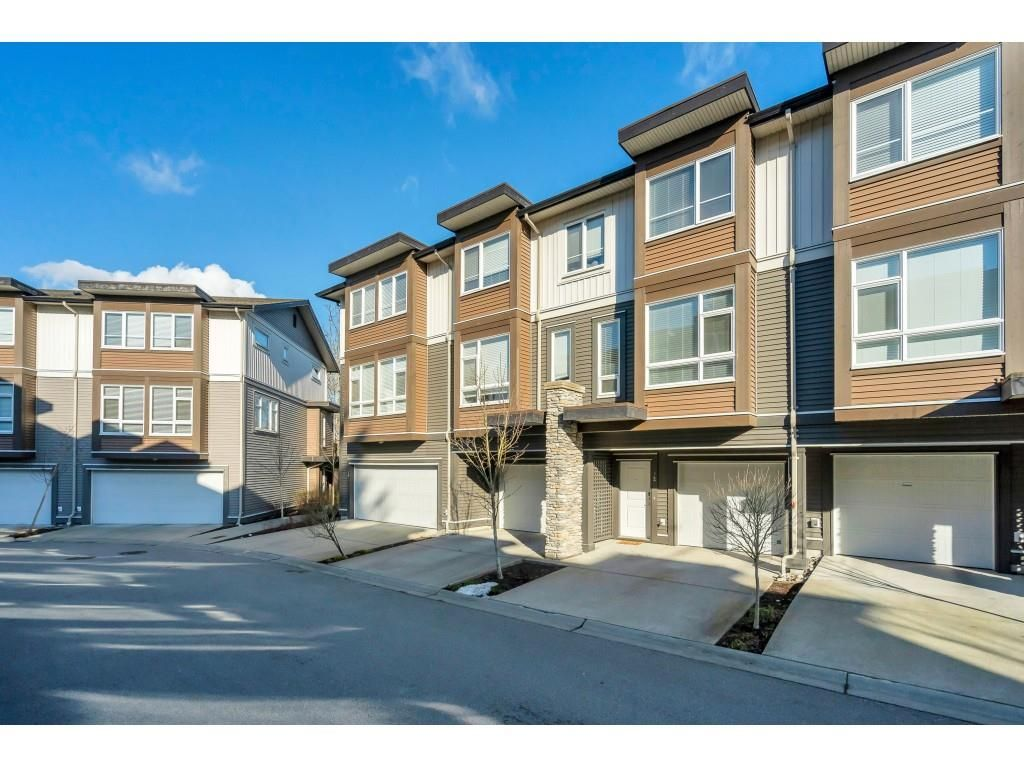"Main Photo: 72 5888 144 Street in Surrey: Sullivan Station Townhouse for sale in ""One44"" : MLS®# R2540307"