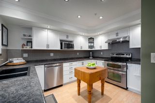 Photo 5: 401 78 RICHMOND Street in New Westminster: Fraserview NW Condo for sale : MLS®# R2594090