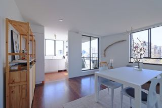 Photo 3: 902 1108 NICOLA STREET in Vancouver: West End VW Condo for sale (Vancouver West)  : MLS®# R2565027