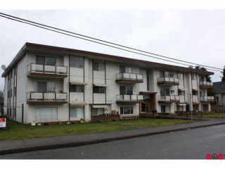 Photo 1: 301 46165 GORE Avenue in Chilliwack: Chilliwack E Young-Yale Condo for sale : MLS®# H1100955