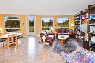 Photo 5: 207 935 Cloverdale Ave in Saanich: SE Quadra Condo for sale (Saanich East)  : MLS®# 886527