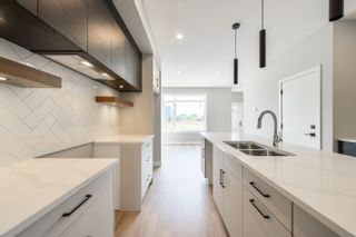 Photo 9: 11315 122 Street in Edmonton: Zone 07 House Half Duplex for sale : MLS®# E4260963