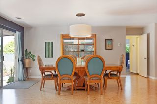 Photo 5: OCEANSIDE House for sale : 3 bedrooms : 1675 Avocado