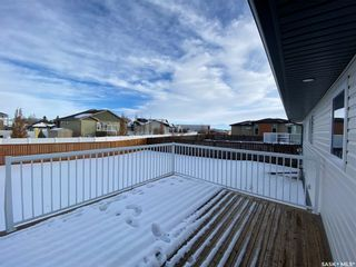 Photo 4: 302 Willow Place in Outlook: Residential for sale : MLS®# SK838188