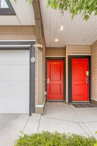 """Photo 5: 13 14555 68 Avenue in Surrey: East Newton Townhouse for sale in """"Sync"""" : MLS®# R2593338"""