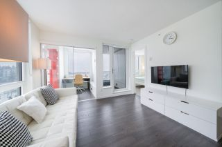 """Photo 4: 2507 5665 BOUNDARY Road in Vancouver: Collingwood VE Condo for sale in """"WALL CENTRE CENTRAL PARK SOUTH"""" (Vancouver East)  : MLS®# R2539277"""