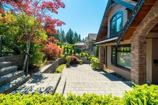 Photo 2: 673 SYLVAN Avenue in North Vancouver: Canyon Heights NV House for sale : MLS®# R2594723
