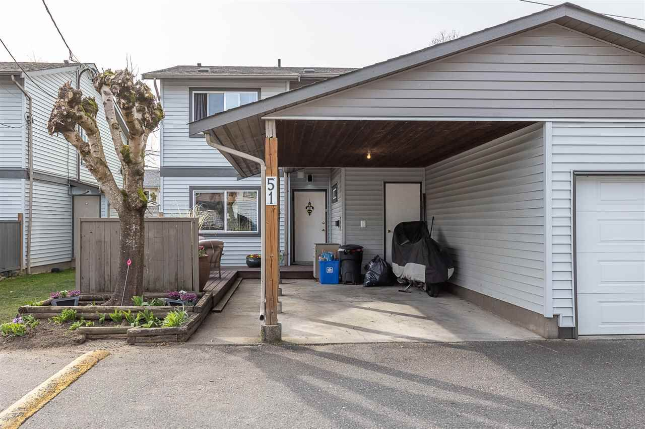"""Photo 3: Photos: 51 46689 FIRST Avenue in Chilliwack: Chilliwack E Young-Yale Townhouse for sale in """"Mount Baker Estates"""" : MLS®# R2552710"""