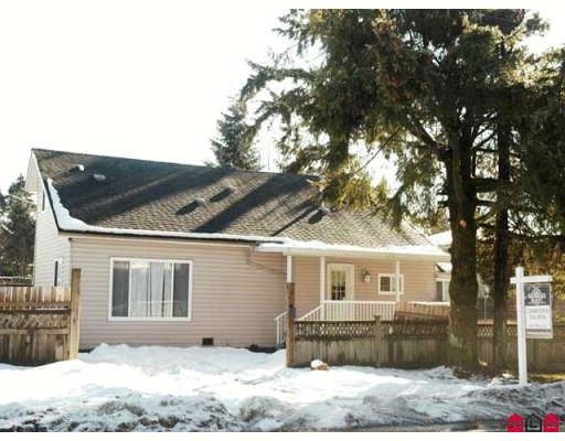 """Main Photo: 13980 GROSVENOR Road in Surrey: Bolivar Heights House for sale in """"BOLIVAR HEIGHTS"""" (North Surrey)  : MLS®# F2802204"""