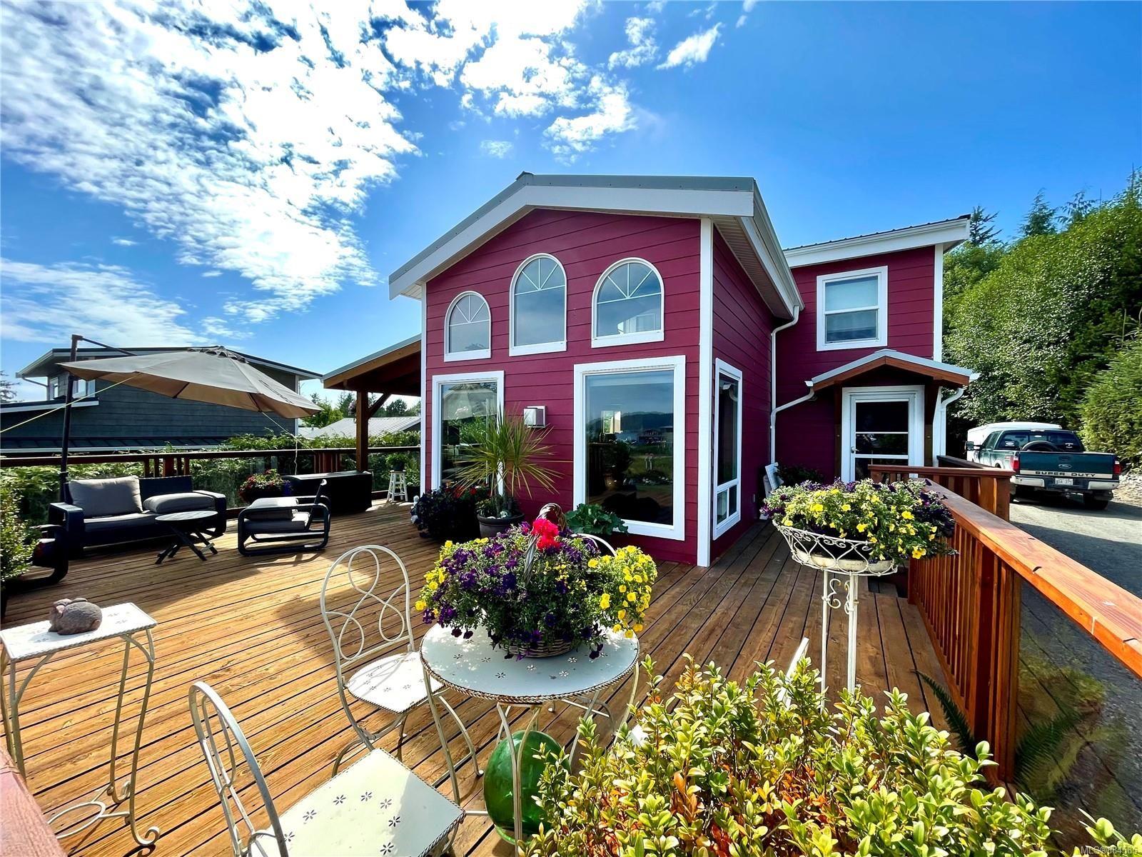 Main Photo: 1045 7th Ave in : PA Salmon Beach House for sale (Port Alberni)  : MLS®# 884585